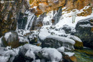 rio Arazas congelado